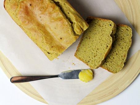 Pão de forma de sarraceno e grão de bico