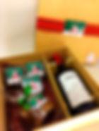 Caixa Natal com vinho, panetone, brownies