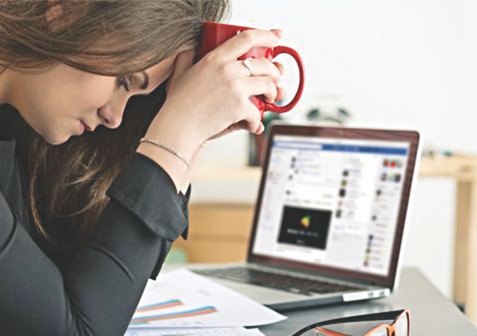 Cope with Social Media Anxiety with these 5 Tips