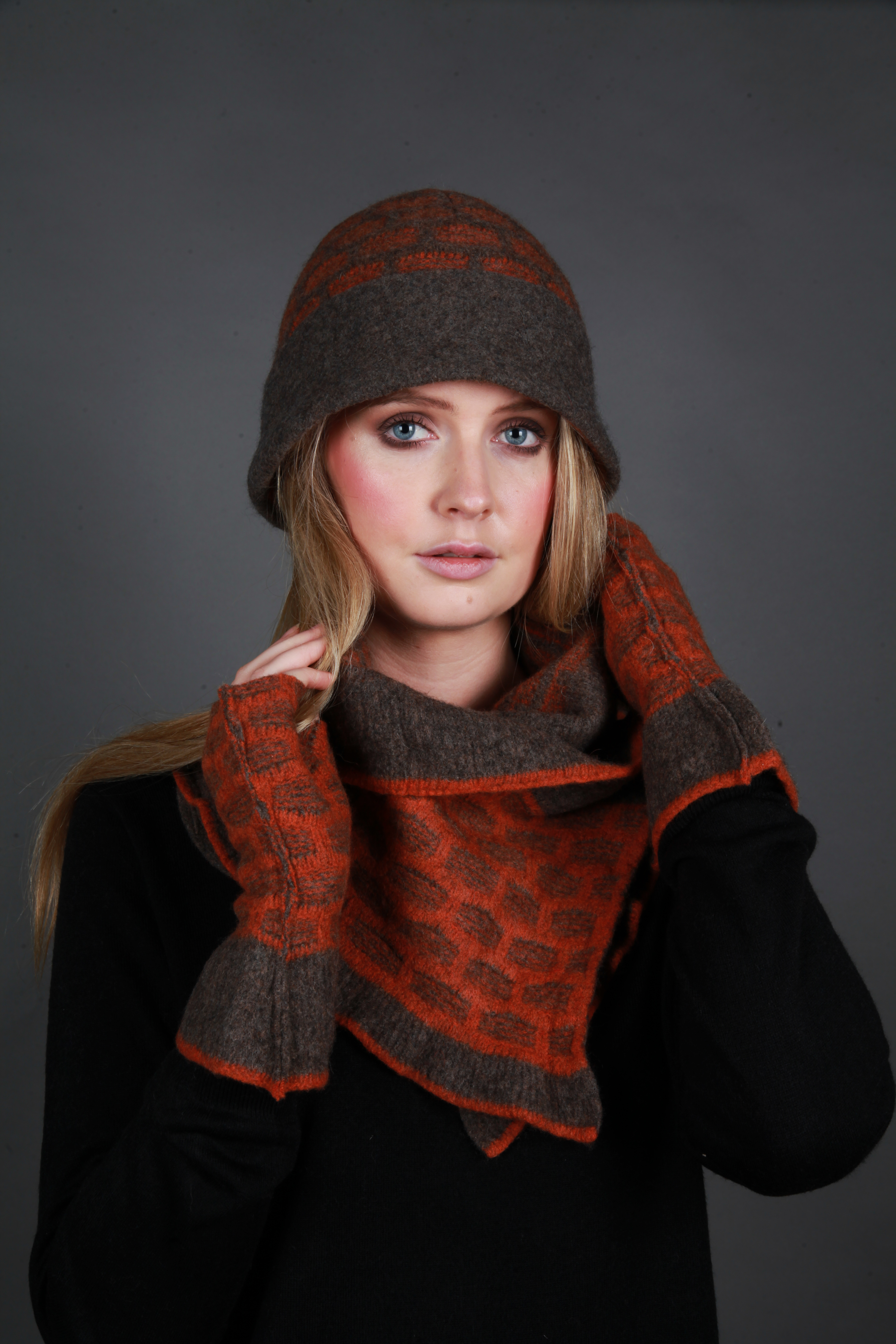 Cloche Textured Hat & Textured Squares scarf with fasteners