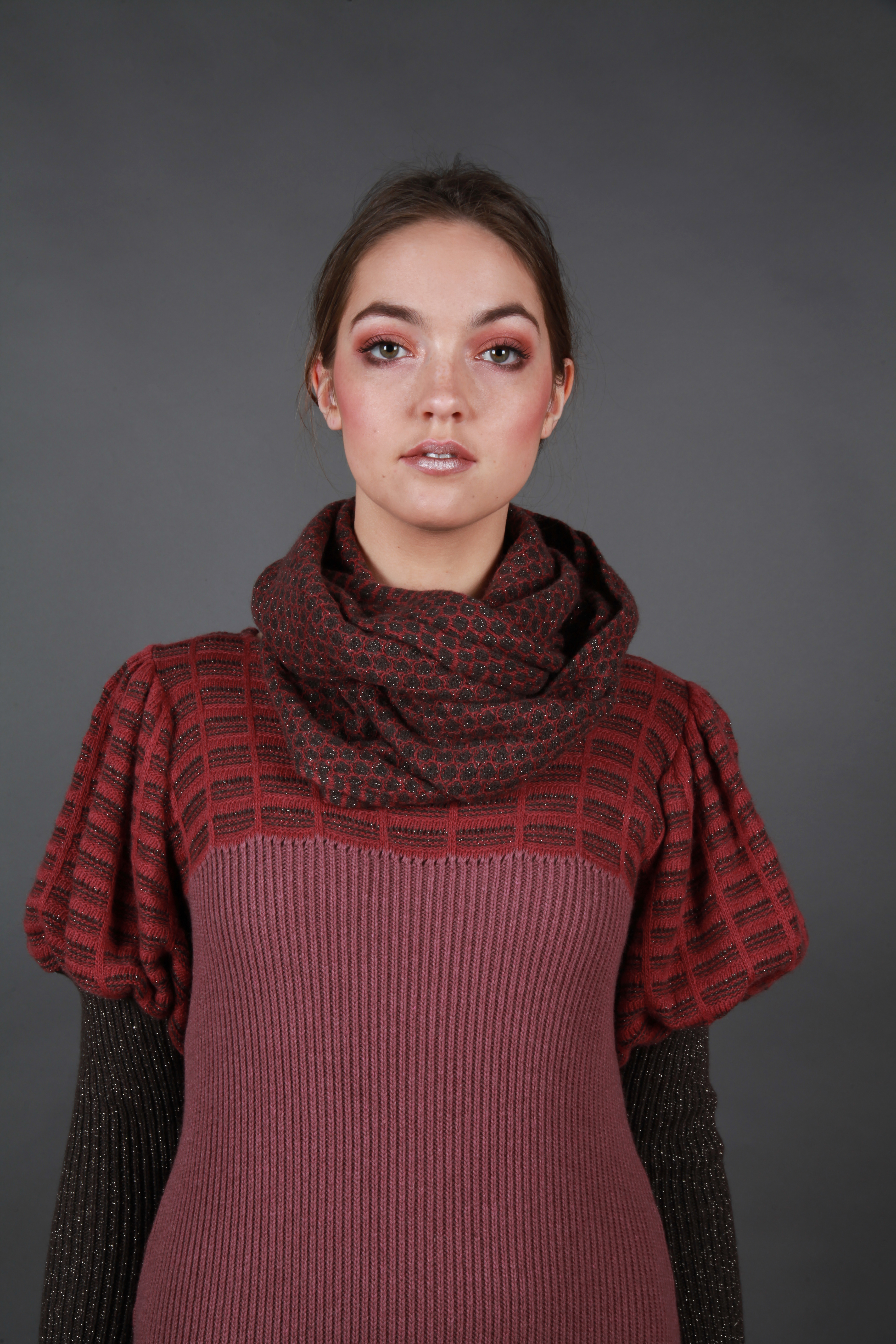 Bubble textured loop scarf