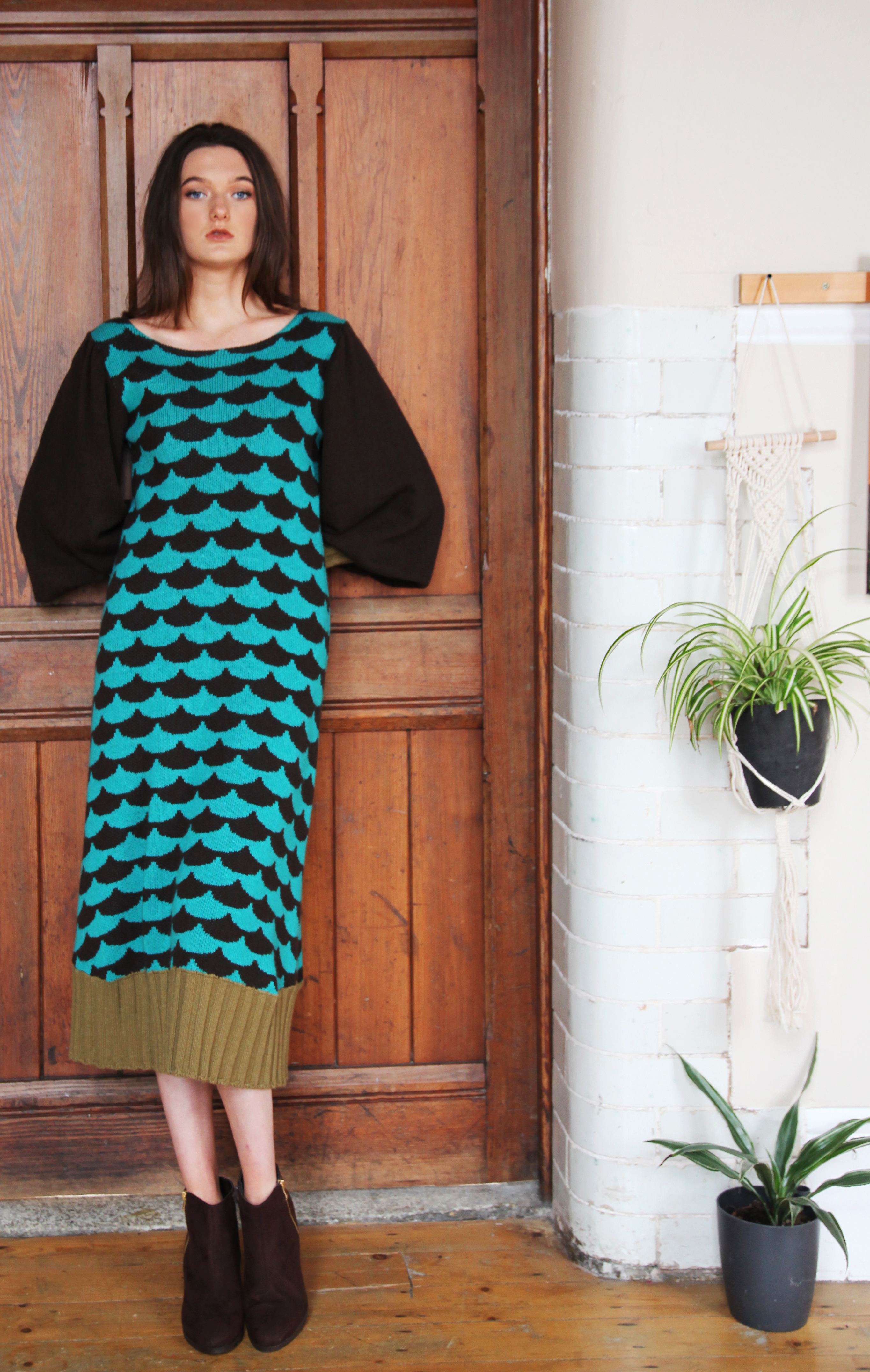 Ribbed Arc Patterned Dress