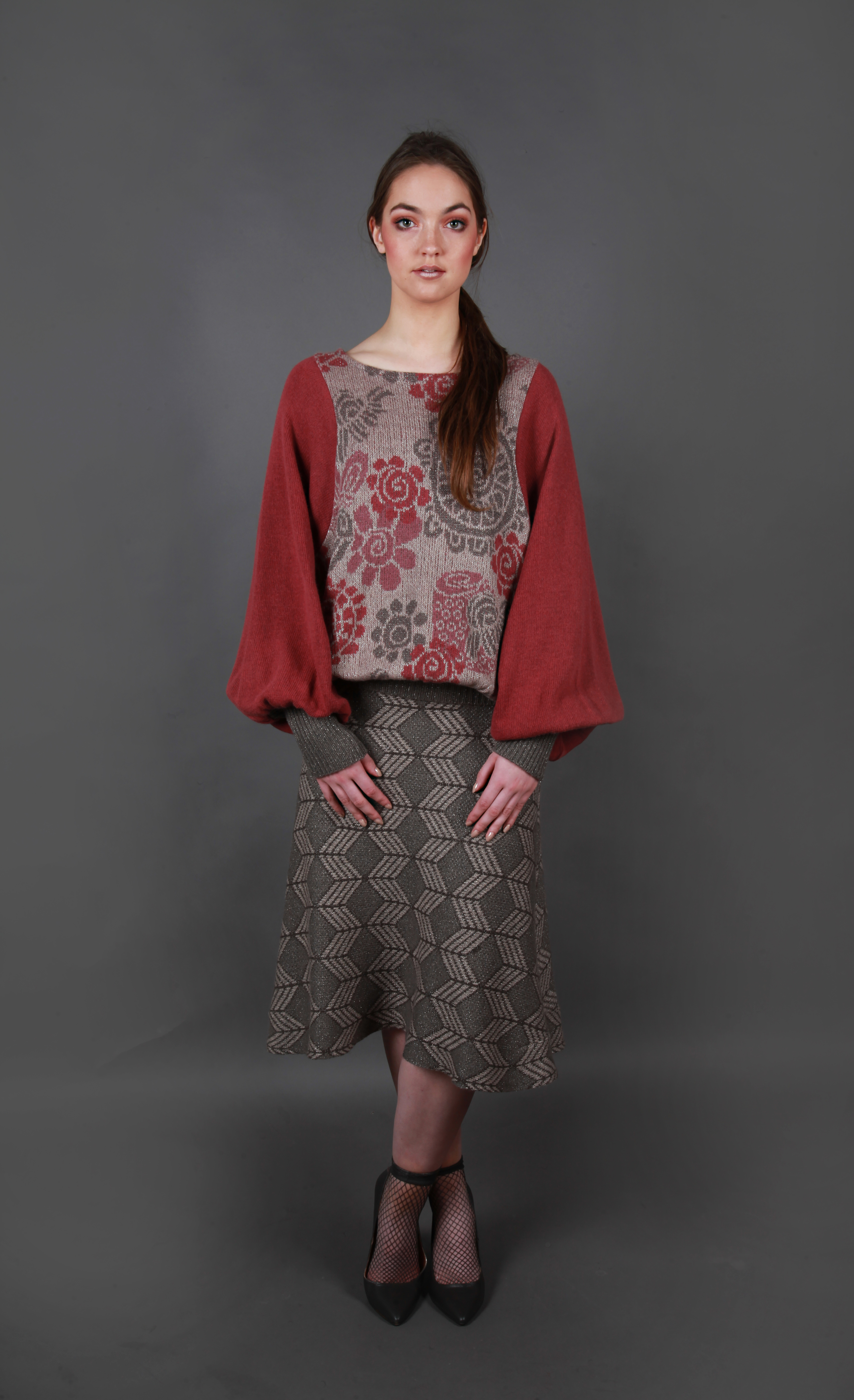 Flower Top with oversized sleeves