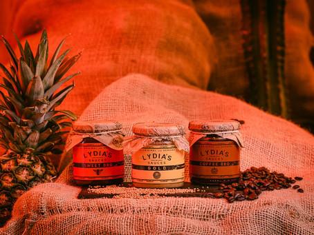 Lydia's Smokehouse inventa su propia línea de salsas