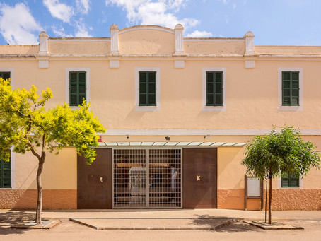 "Teatre municipal ""Es Quarter"""