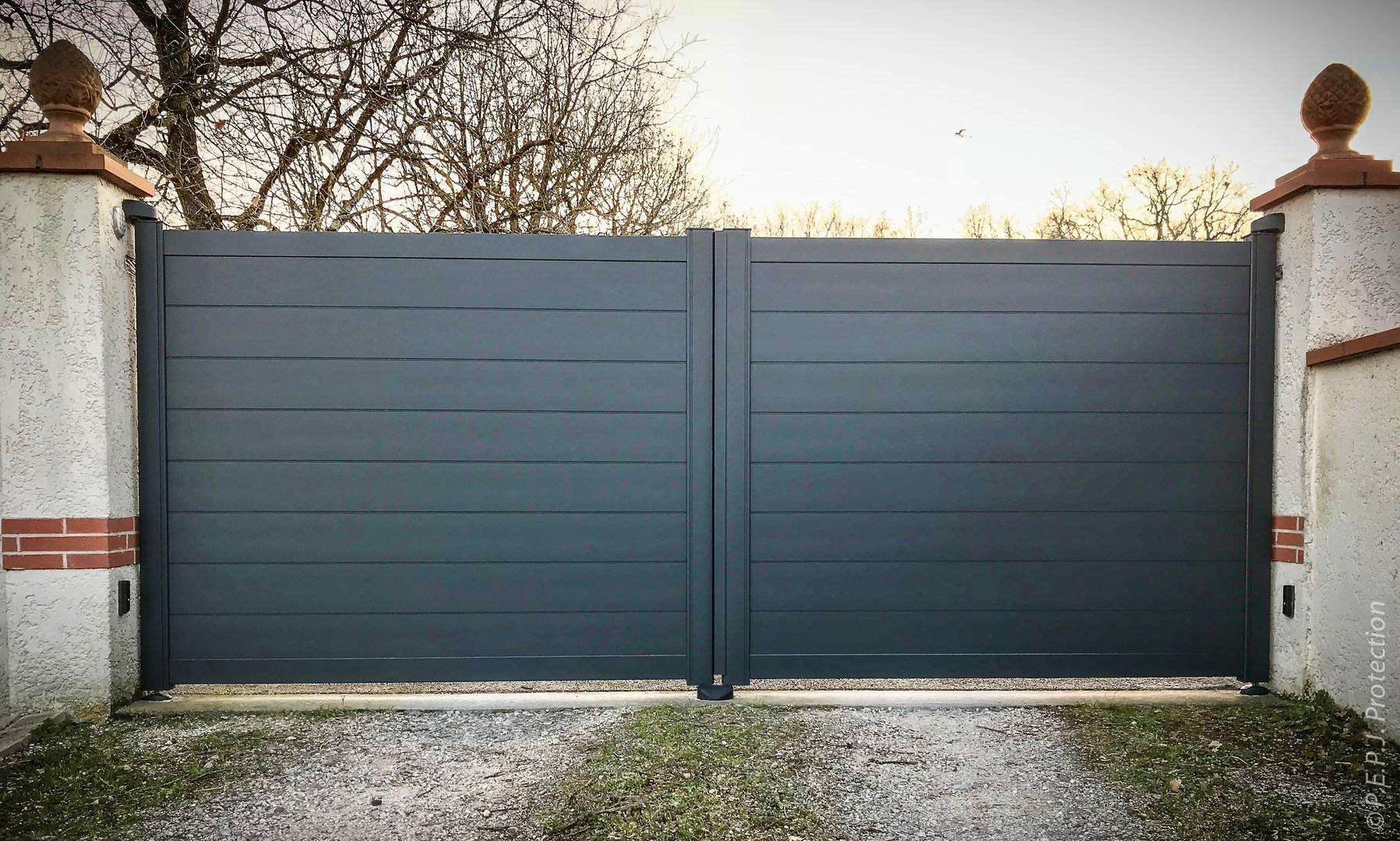 Portail Aluminium Noir sur-mesure