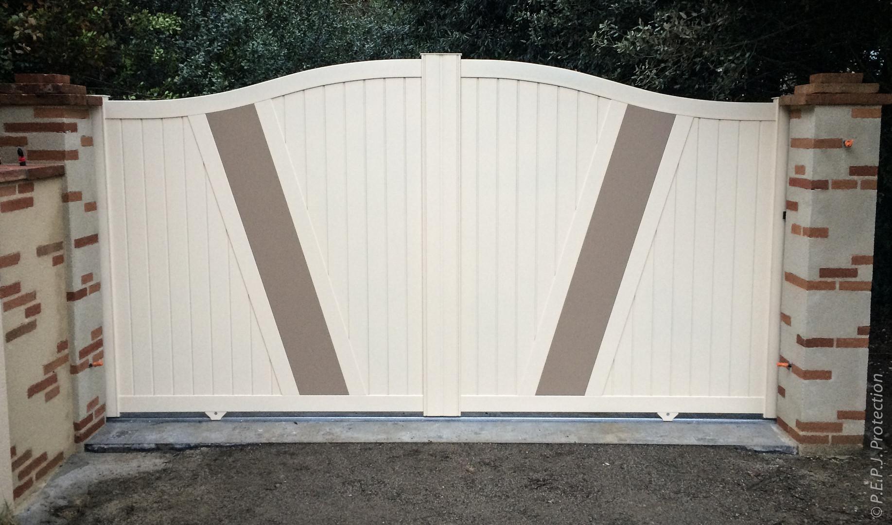 Portail Aluminium Bicolore sur-mesure
