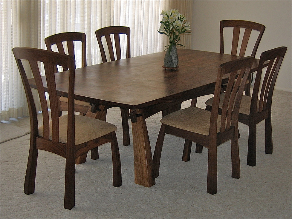 Struckman Table and Chairs
