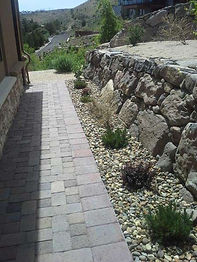1391918-professional-landscaping-service