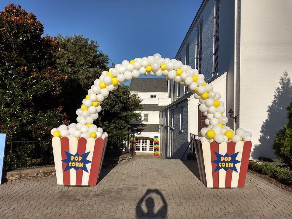 Popcorn Balloons Entrance Decor