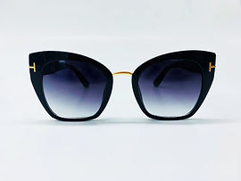 Retro Cat Eye Sunglasses with Gold Temple Detail
