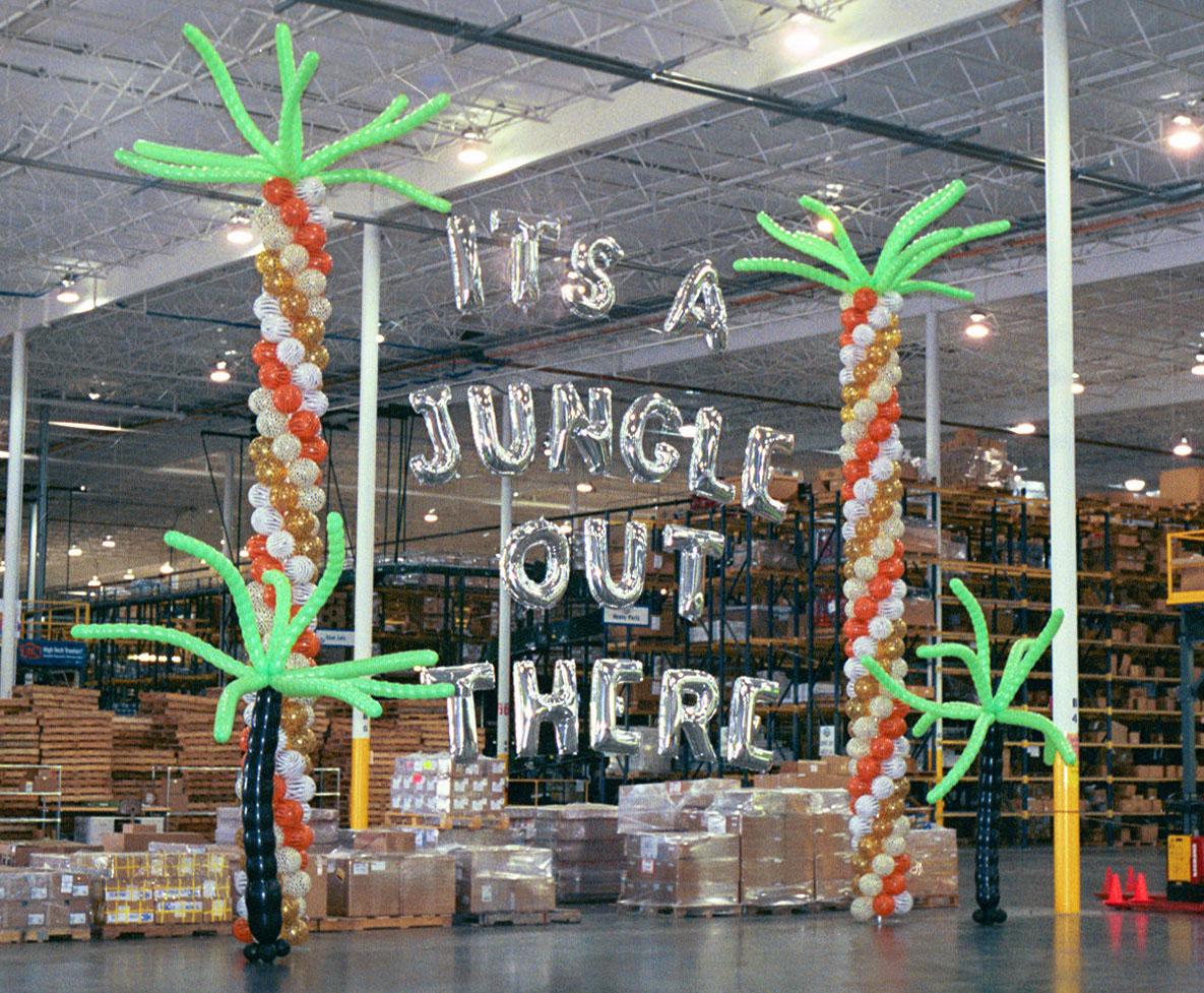 Jungle Themed Balloon Decor