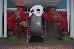 halloween-themed-event-entrance-decor-phantom-of-the-opera