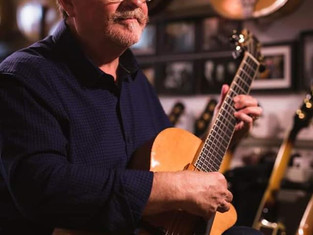 JOIN THE MARTIN TAYLOR GUITAR CLUB