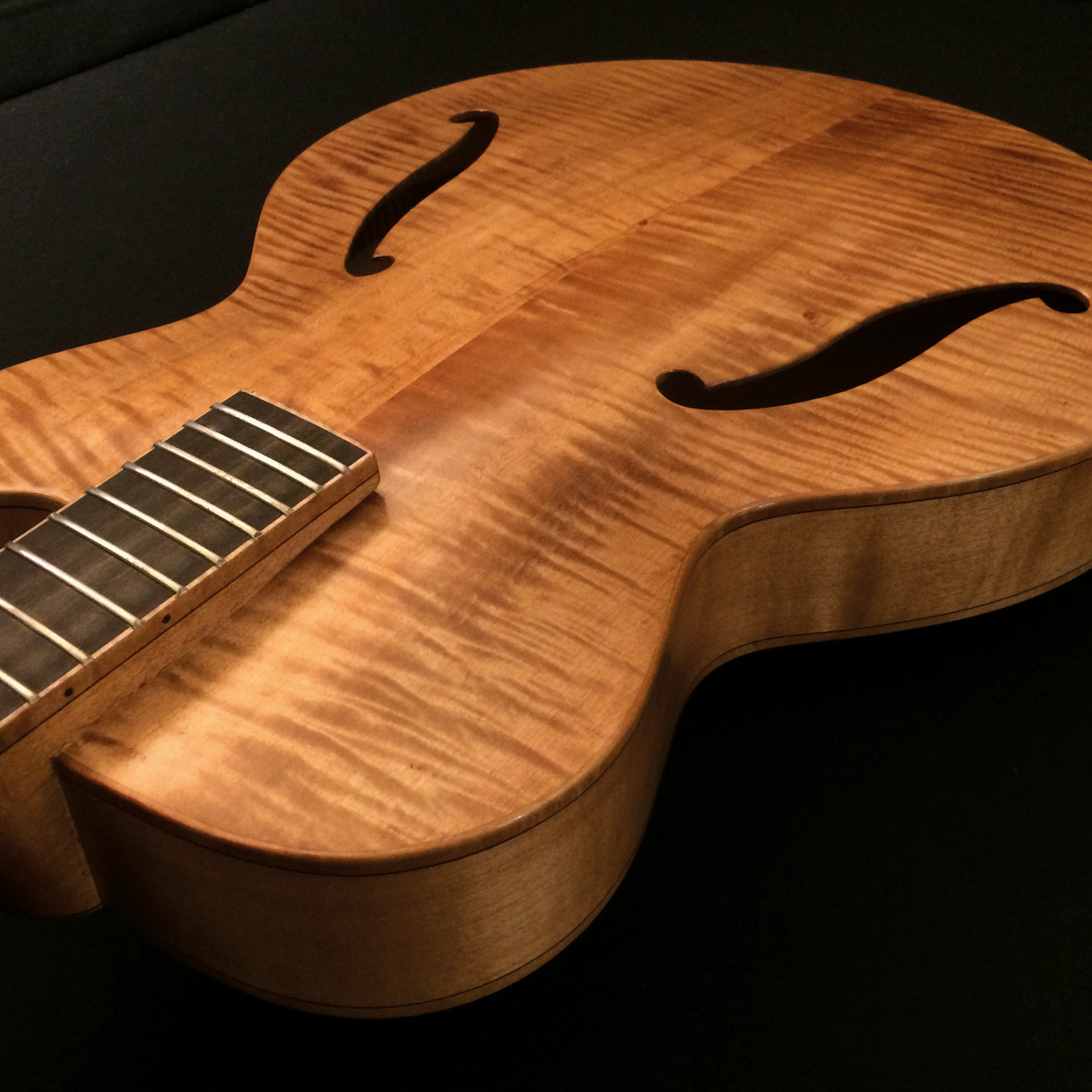 CALIFORNIAN FLAME MAPLE TOP