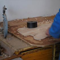 HAND CARVING A TOP