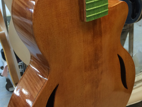 A COUPLE OF 'WORK IN PROGRESS' PICTURES OF THE NEW MARTIN TAYLOR JOYA ARCHTOP