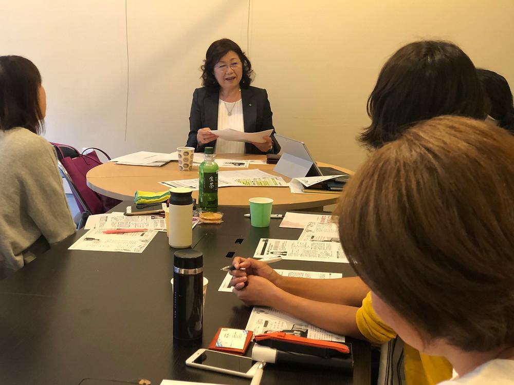 Co-Museで開催した学習会。講師は株式会社ビックバイオの阪本惠子会長。