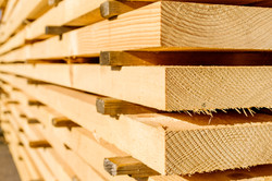 Corner parts of stacked lumber or timber