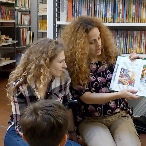 Animatrices de l'atelier contes Monica Friot et Jessie Starace-Servant