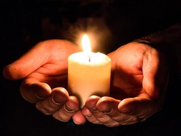 Trauerfeier für einen an COVID-19 verstorbenen Kollegen