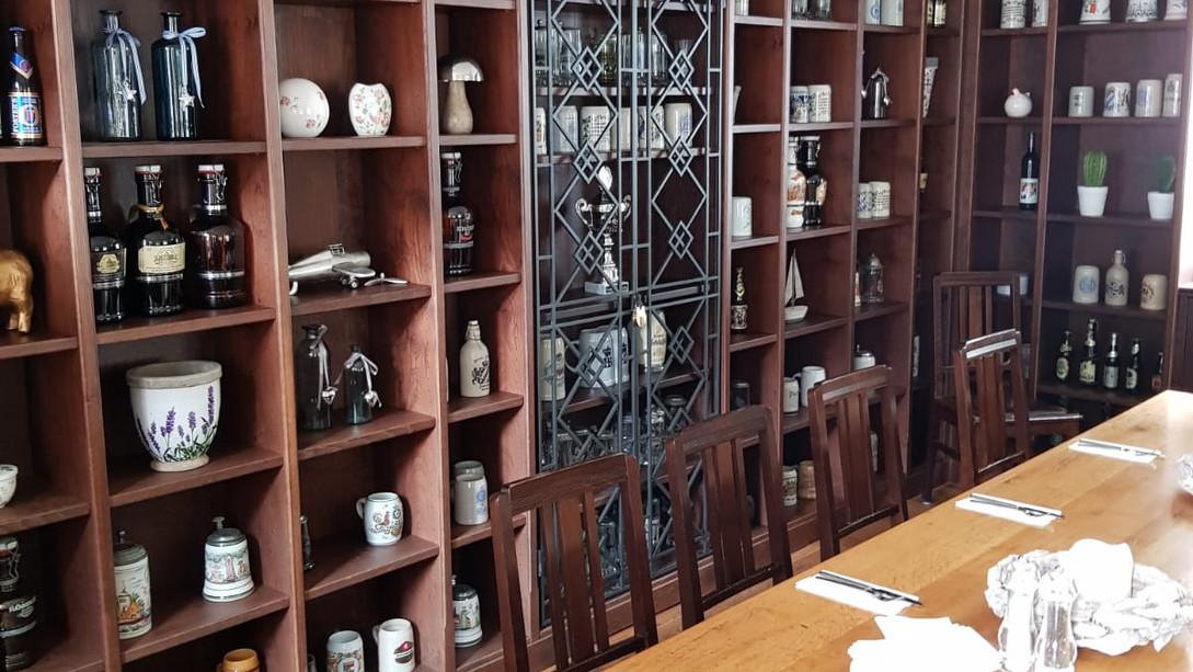 Gastro Weinladen Schrank auf Maß