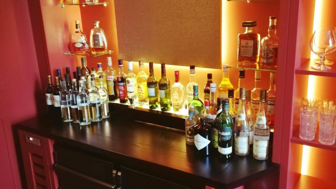 Cocktailbar Lichteffekte Neu Antikkonzept
