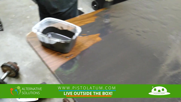 EPOXY PRIMING A WOOD TABLE.mp4