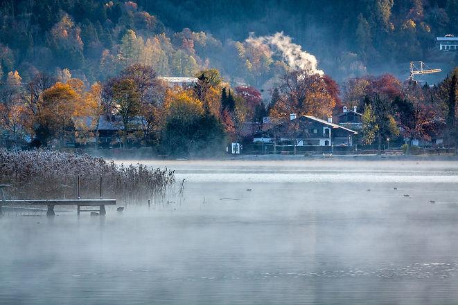 lake-4622167_1920.jpg