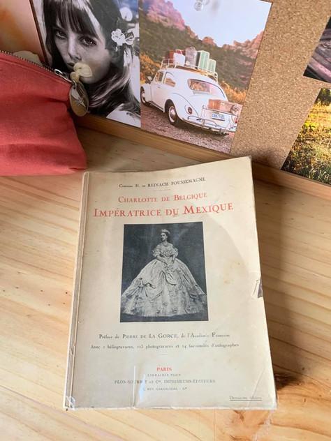 Anecdote expatriée : ma traduction d'une biographie historique à propos de Charlotte de Belgique.