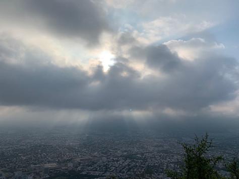 Vu d'en haut : Monterrey asphyxiée.