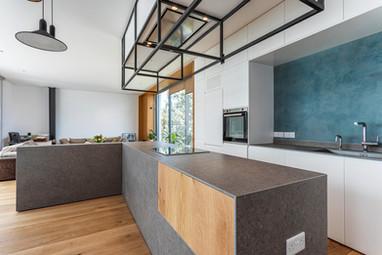 Aglanzia Kitchen-1.jpg
