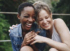 Amis heureux Riant