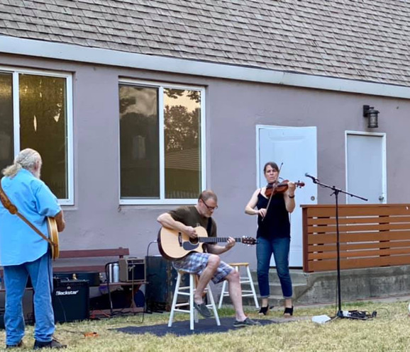 RUMC Neighbors performing for the Community Outdoor Concert