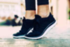 zapatos de gimnasia negro