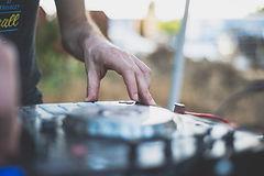 נדב אגמי DJ