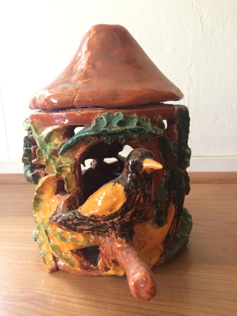 Bird with leaf bird house