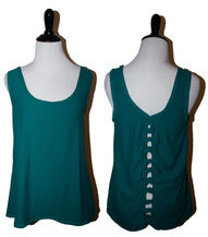 Green tank with knots