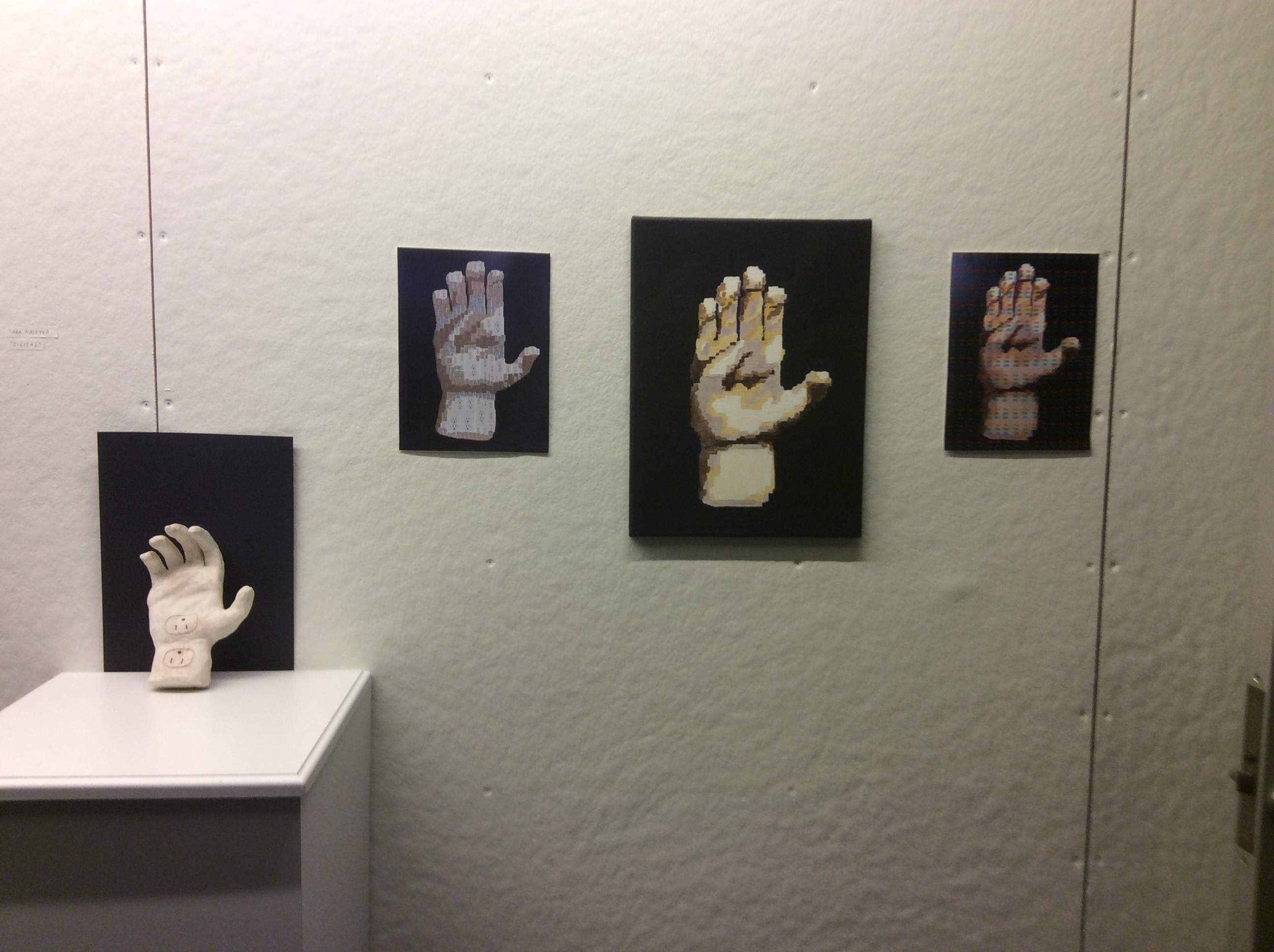 """Digital and physical translations of multiple meanings of """"digit"""" (fingers and numbers)"""