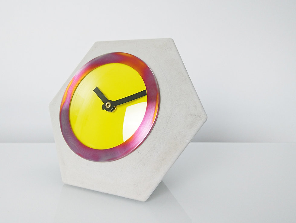 cast concrete table clock design