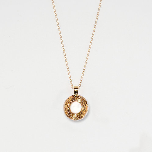 White & Gold Scales Pendant Necklace