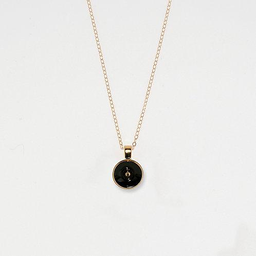 Dot Pendant Necklace