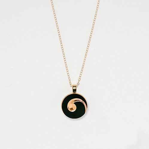 Medium Gold Swirl Pendant Necklace