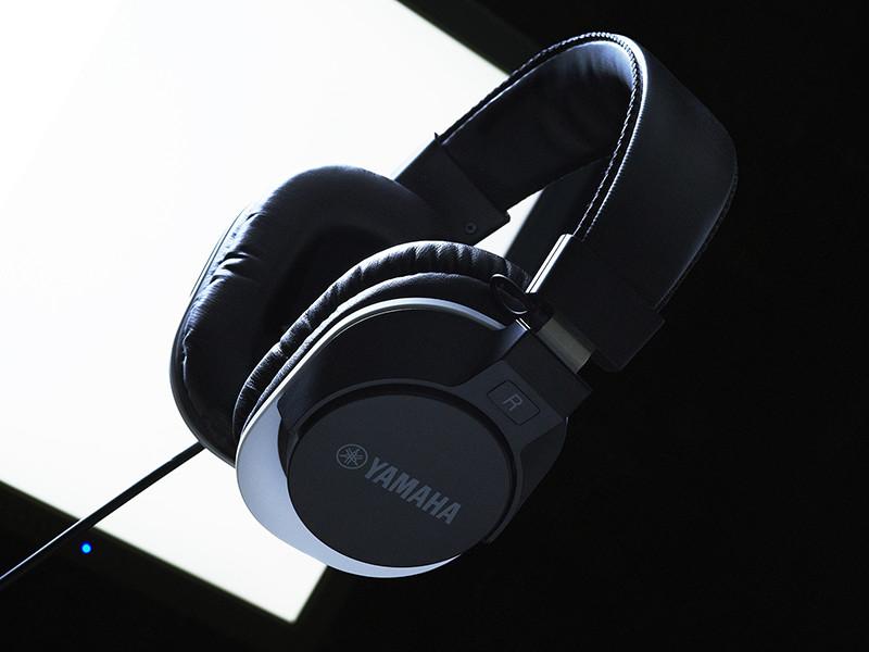 monitorheadphones03.jpg