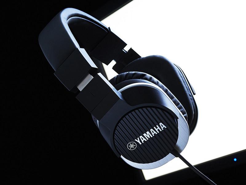 monitorheadphones02.jpg