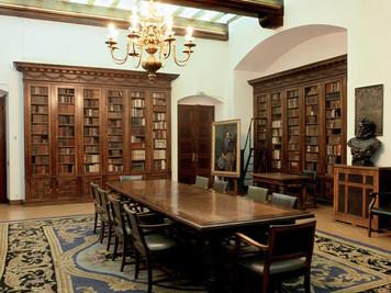 SALA CERVANTINA DE LA BIBLIOTECA DE CATALUNYA.  Uno de los mejores fondos bibliográficos y documenta