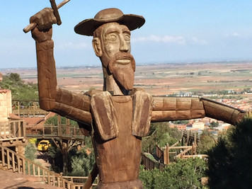 Una presentación divertida de <El Quijote>. Ver este interesante vídeo de los <Cómicos de l