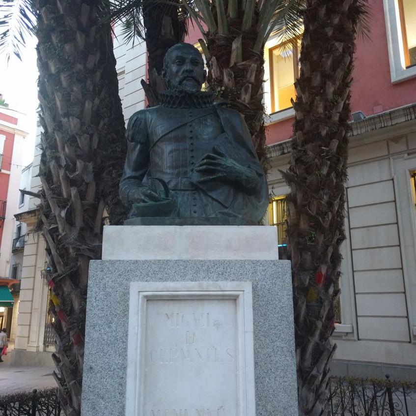 Monumento a Cervantes en Sevilla.