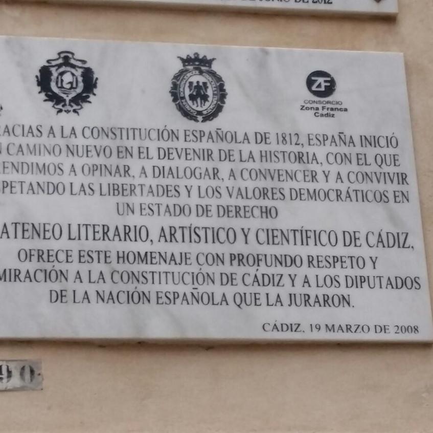 Placa del diálogo de 1812 en Cádiz.