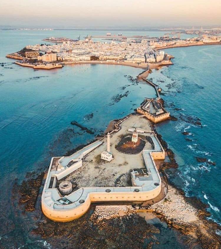 "Cádiz: vista aérea ""tacita de plata"""